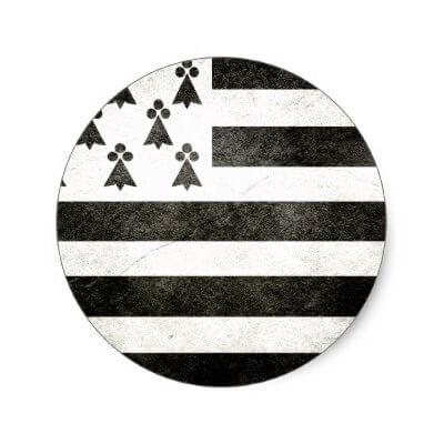 Flag brittany vintage classic round sticker r18fc230131f843479aa02d72b2366005 v9waf 8byvr 400 1